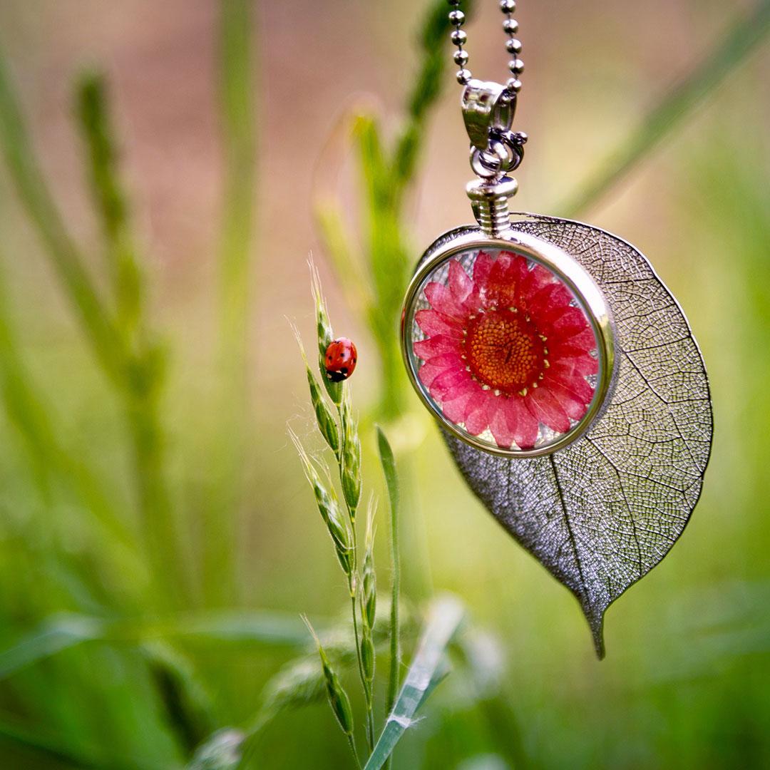 Blumenkind Kette Pink mit Blatt