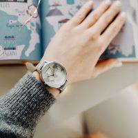 Blumenkind Damen Uhr Weltkarte